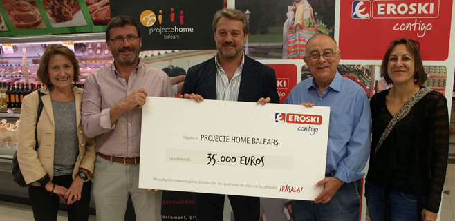 Eroski entrega 35.000€ a Projecte Home de
