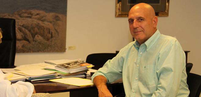 Riera cierra su organigrama de cargos en Educació sin Guillem Estarellas