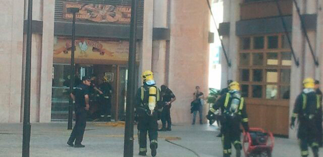 Incendio en una azotea de la Plaza del Olivar