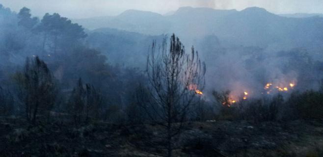 Los quince desalojados por el incendio de Galilea han vuelto a sus casas