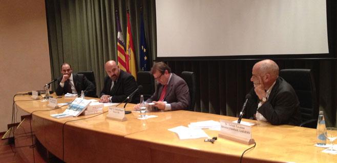 Martínez resalta el alargamiento de la temporada turística de 2013 y 2014