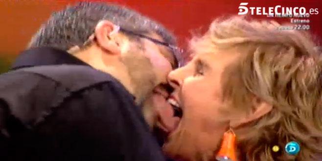 Mercedes Milá y Florentino Fernández se morrean