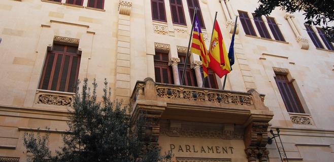 El Govern aprueba el Proyecto de ley que elimina 16 diputados del Parlament