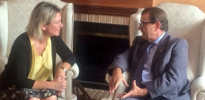 Núria Riera se reúne este lunes con el rector de la Universitat Llorenç Huguet