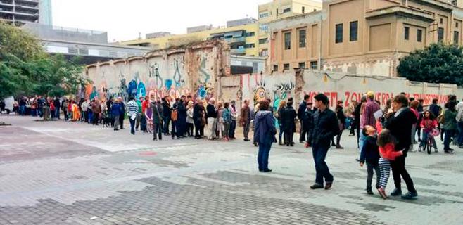 Más de 2 millones de catalanes participan en la consulta
