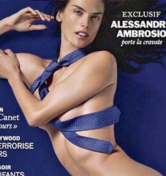 Una corbata como vestido para Alessandra Ambrosio