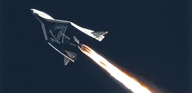 El avión espacial de Virgin se estrella y muere el copiloto