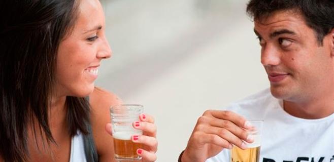 Se sugiere beber cerveza tras los excesos navideños