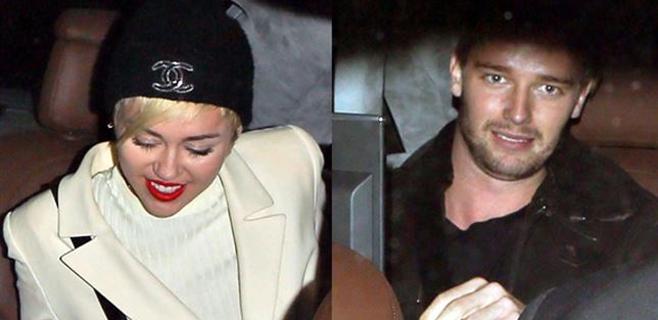 Miley Cyrus y Patrick Schwarzenegger... ¡Pillados!