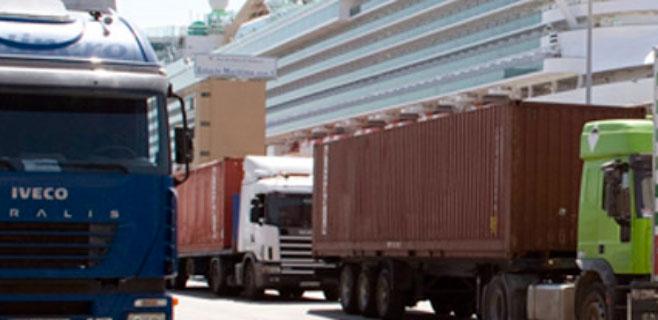 Los transportistas de las islas cobrarán el céntimo sanitario antes de fin de año