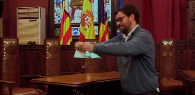 Malestar en Cort por el uso indebido de la Sala de Plenos por Antoni Noguera
