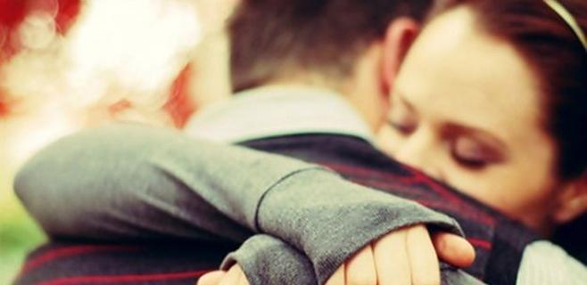 Los abrazos disminuyen los efectos nocivos del estrés