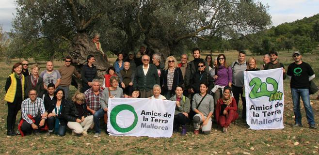Amics de la terra celebra su 20 aniversario de presencia en Mallorca