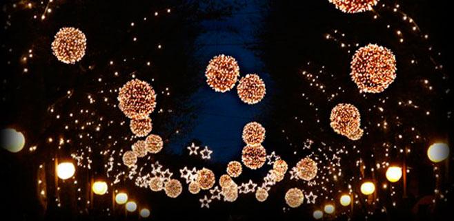Los comerciantes del Borne felicitan al Ajuntament por las luces de Navidad