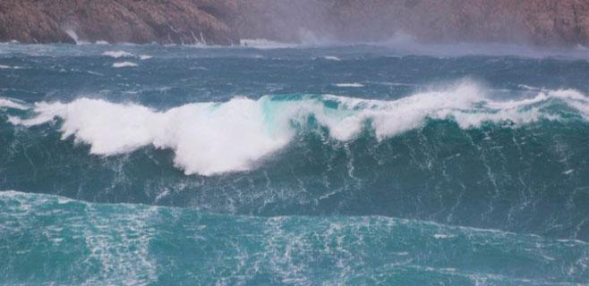 Sigue la alerta por el temporal de viento y mar