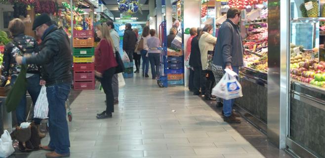 5.000 usuarios apuran las compras de Navidad en el Mercat de l'Olivar
