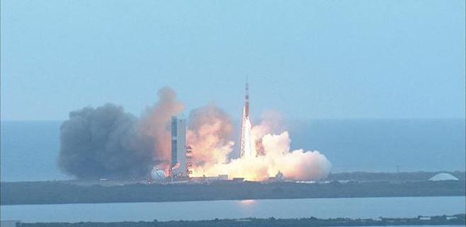 La NASA lanza con éxito la primera nave espacial Orion