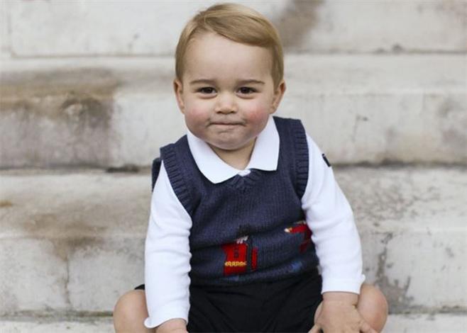 Primer posado navideño del pequeño príncipe Jorge