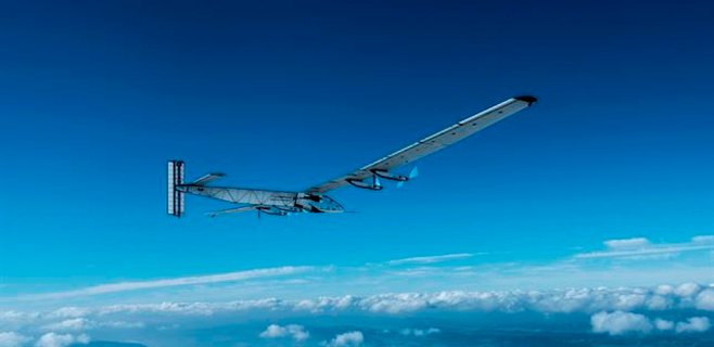 Un avi�n solar prepara la primera vuelta al mundo