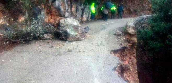 Las lluvias provocan desprendimientos en la carretera al Port de Valldemossa