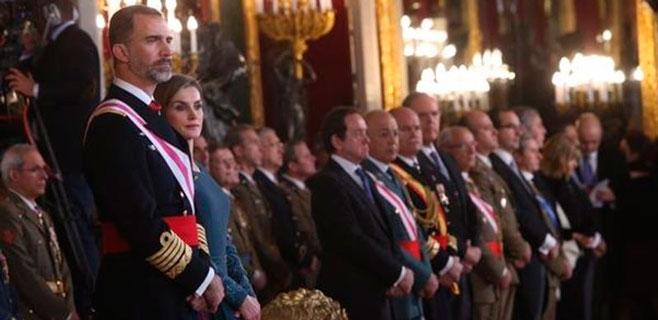 Felipe VI rinde homenaje a Don Juan Carlos