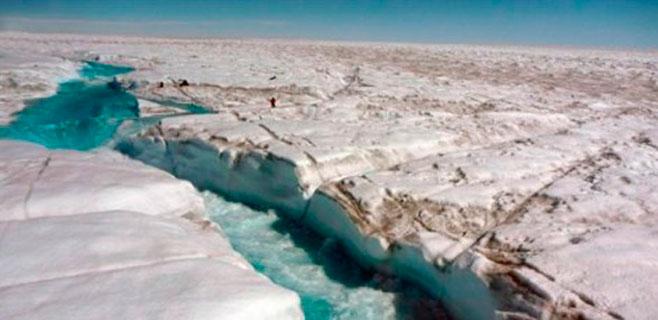 Una red de ríos y arroyos derrite Groenlandia
