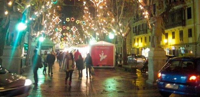 Las ventas del mercado artesano de Navidad de La Rambla caen un 10%