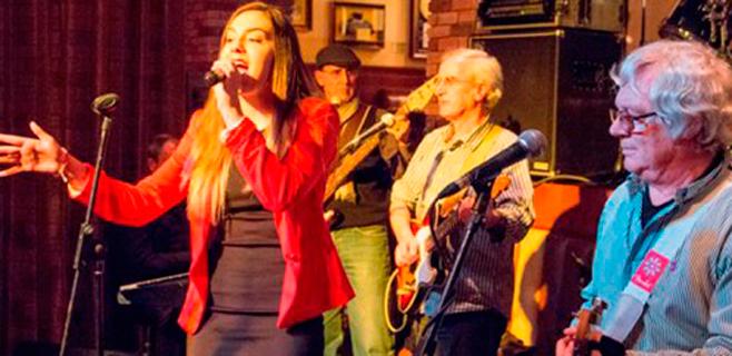 Lorena Ares, artista invitada en el concierto de Hard Rock Café