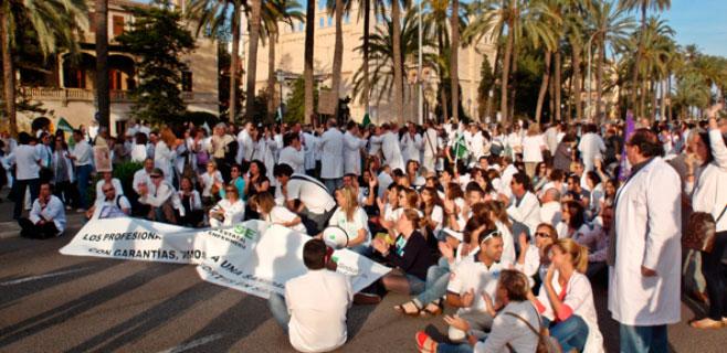 Las protestas de los enfermeros por los recortes arrancarán a finales de mes