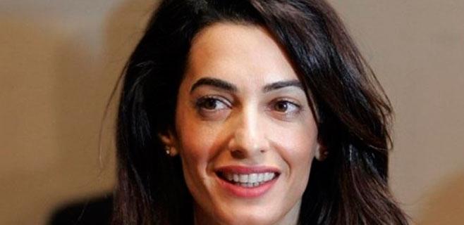 Egipto niega haber amenazado a la mujer de George Clooney