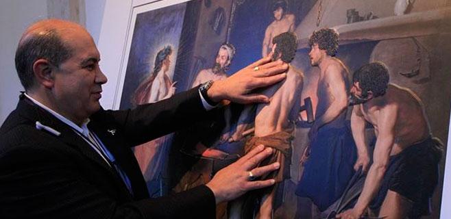 El Prado permite tocar los Velázquez, Da Vinci o Goya