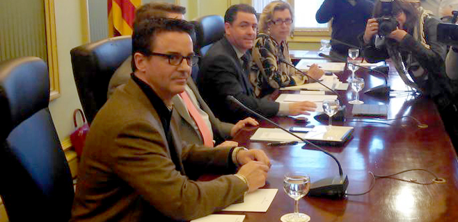 Castro interroga el martes a Rodrigo de Santos por la compra de la sede del PP