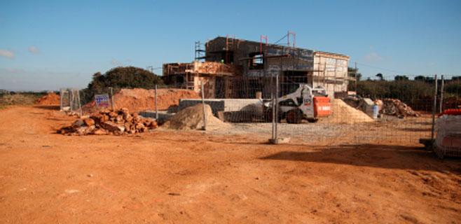 El GOB pide que pare la construcción de un chalet en el Salobrar de Campos