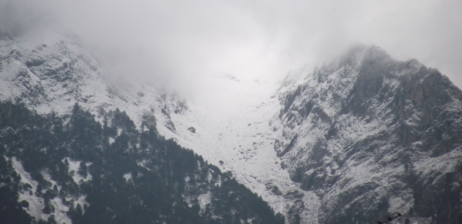 Una intensa nevada cubre la Serra