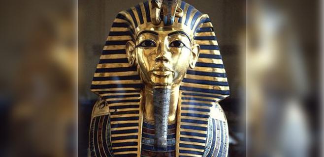 La máscara de Tutankamón sufre daños importantes