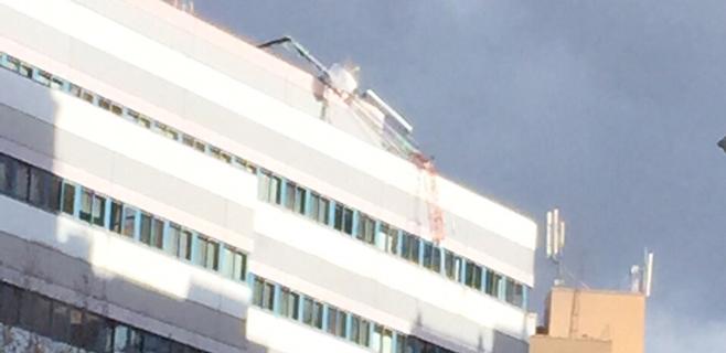 El viento tumba la antena del servicio de emergencias del 112 en la Avenidas