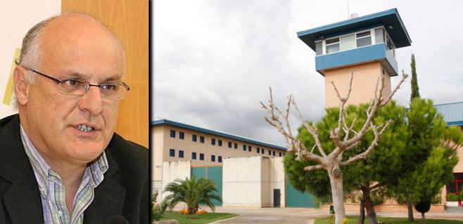 Educació lleva al exdiputado verde a Fiscalía al ver