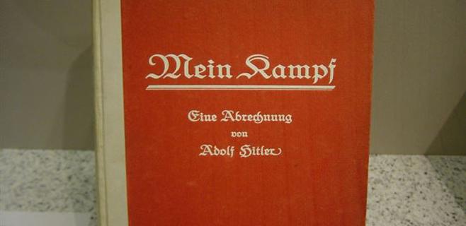 Académicos alemanes quieren editar Mein Kampf de Hitler