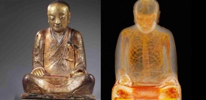 Descubierta una momia del siglo XI en una estatuta de Buda