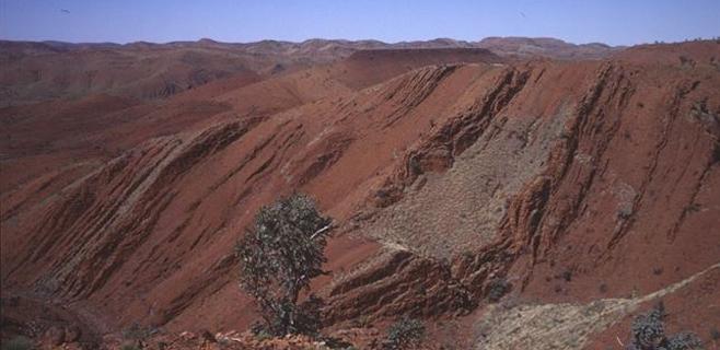 Rocas antiguas indican vida de 3.200 millones de años