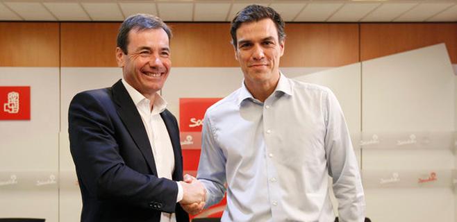 Pedro Sánchez destituye a Tomás Gómez