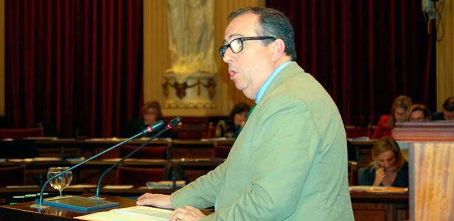 El Parlament pide al Gobierno mayor participación de Balears en aeropuertos
