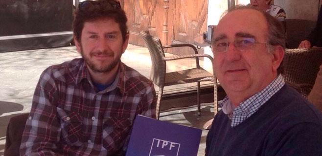 El Instituto de Política Familiar presenta el contrato con la familia a Podem