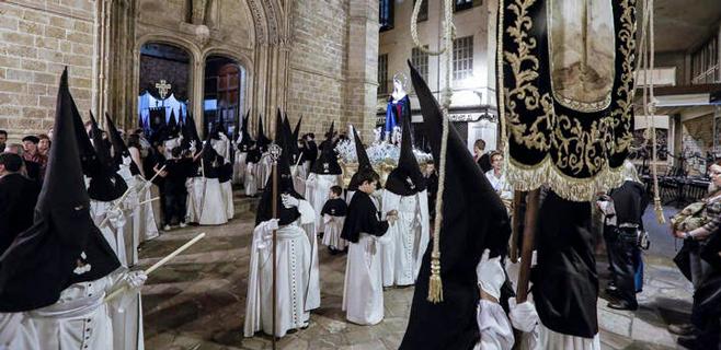 Las 33 cofradías de Palma saldrán por primera vez por orden de antigüedad