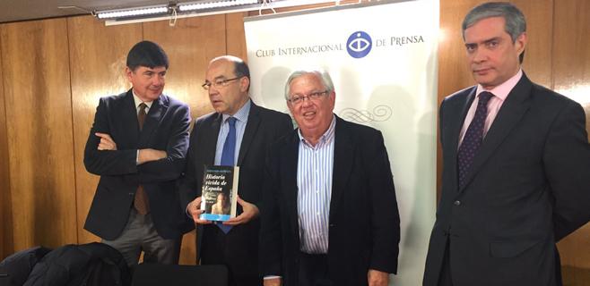 Fernando Jáuregui presenta en público su nuevo libro