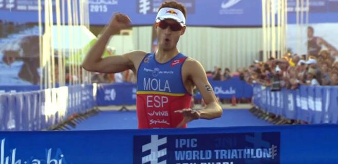 Mario Mola gana la primera prueba de las Series Mundiales