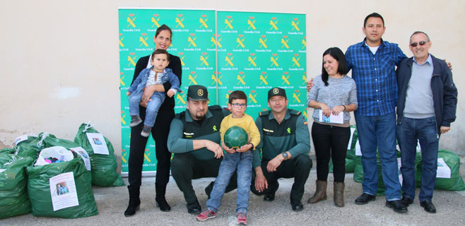 La Guardia Civil recauda 1.000 euros para Rodrigo