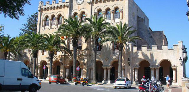 5 funcionarios de Ciutadella detenidos por vender cobre