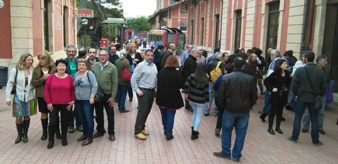 100 personas acuden al primer caucus ciudadano organizado por Podem