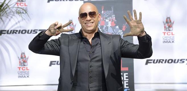 Vin Diesel deja sus huellas en Hollywood